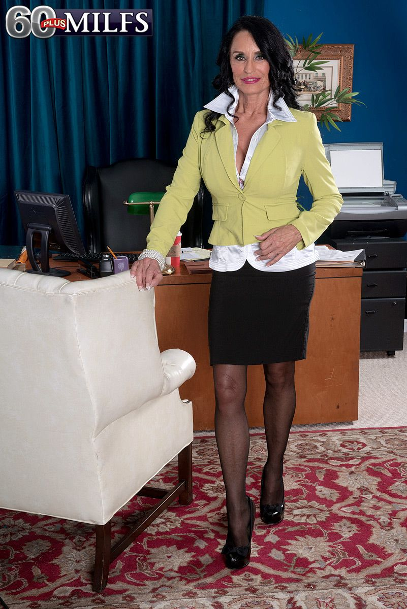 Hot mature secretary Rita Daniels in skirt and pantyhose fucking younger man