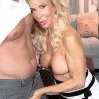 Leggy blonde mature pornstar Erica Lauren having pussy ate out