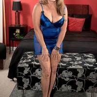 Hot blonde lady Luna Azul fucks 2 men in wild MMF mature porn threesome