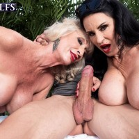 Aged woman Rita Daniels and her girlfriend tempt and munch off a younger guy