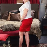 Nasty MILF on the other side of 60 Jewel seduces a junior man before licking his dick