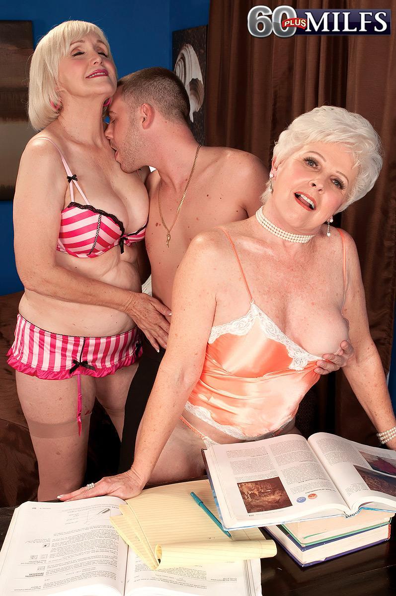 Mischievous nannas Jewel and Lola Lee giving dual fellatio in tan pantyhose