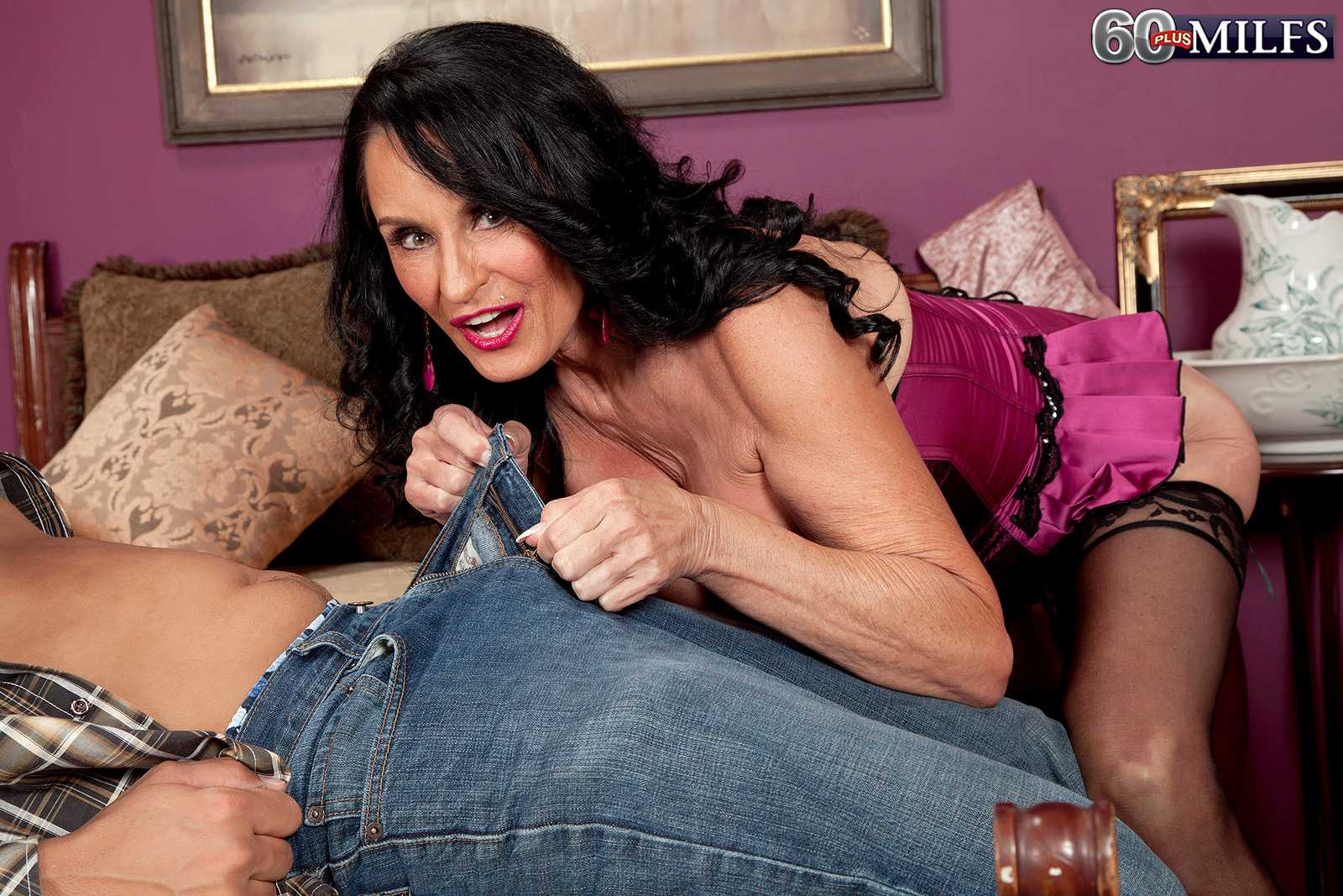 Wicked 60+ Babe Rita Daniels Loves The Meat stick