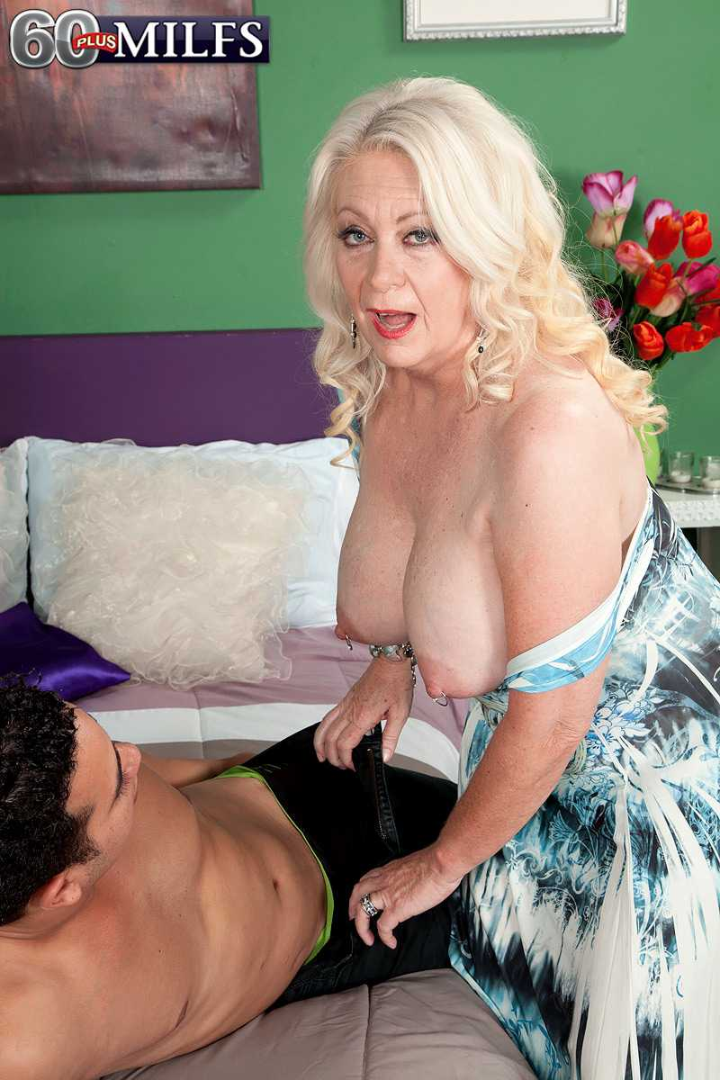 Over 60 MILF Angelique DuBois Gets Jism On Her Face