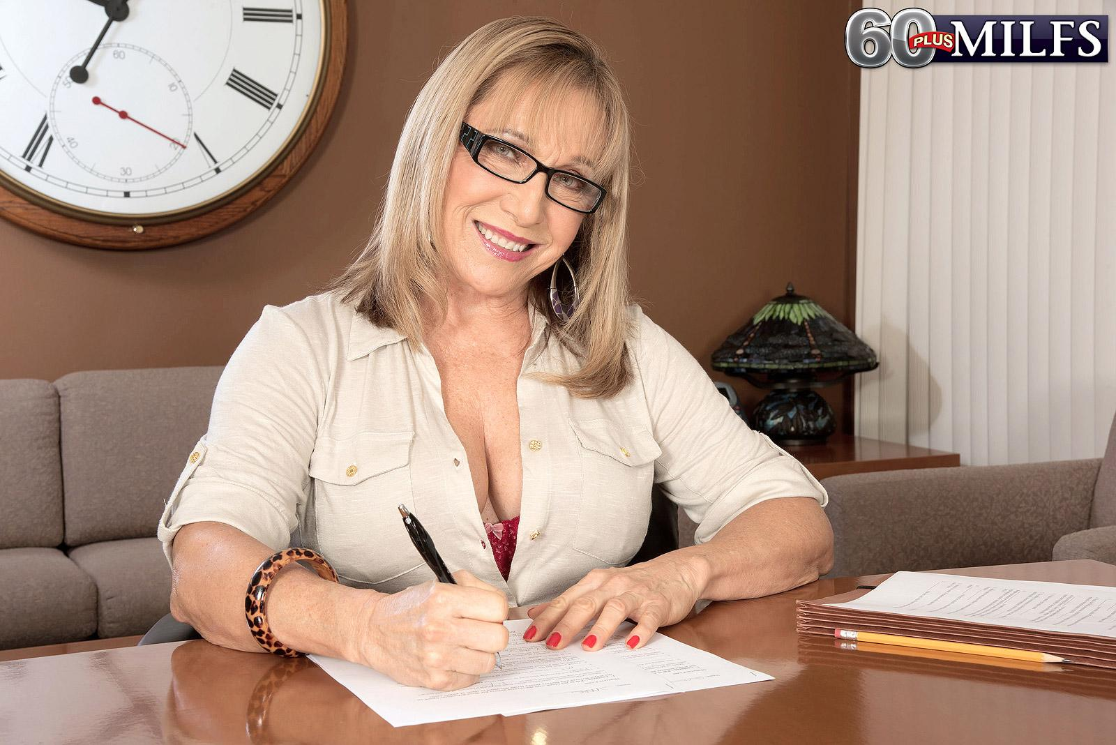 Over sixty teacher Luna Azul seduces a masculine schoolgirl in her office place