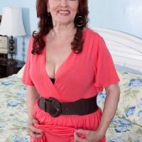 Redheaded grandma Katherine Merlot baring massive ass before bi-racial MMF 3 way