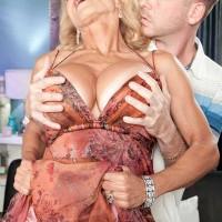 Hot Sixty Plus Model Cara Reid Gets a Cumshot