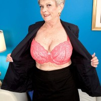 Short haired granny Lin Boyde uncovering large boobs before providing hand-job and BLOW-JOB